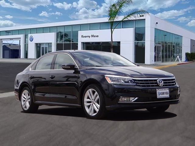 Pre-Owned 2018 Volkswagen Passat 2.0T SE w/Technology