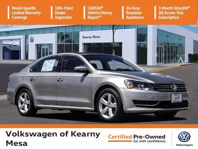 Certified Pre-Owned 2012 Volkswagen Passat TDI SE w/Sunroof