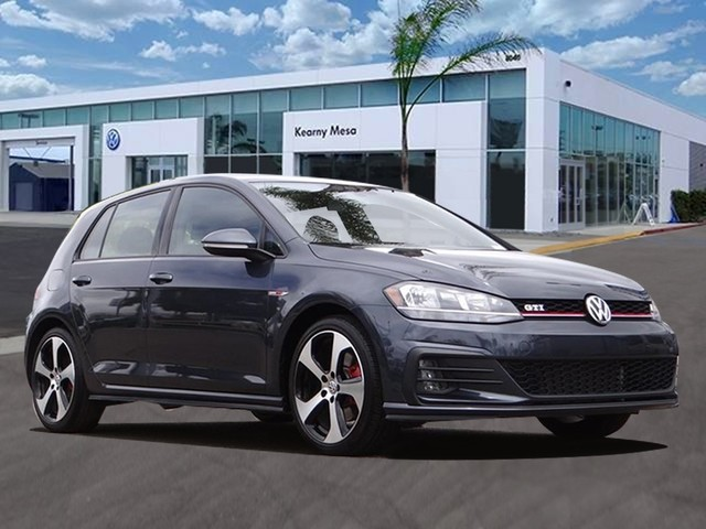 Pre-Owned 2018 Volkswagen Golf GTI S