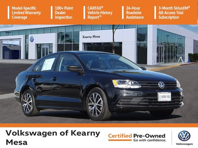 Certified Pre-Owned 2016 Volkswagen Jetta SE w/Manual Transmission