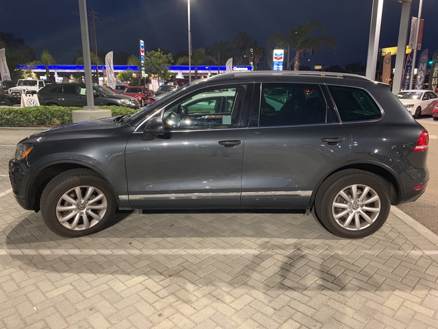 Pre-Owned 2012 Volkswagen Touareg Sport