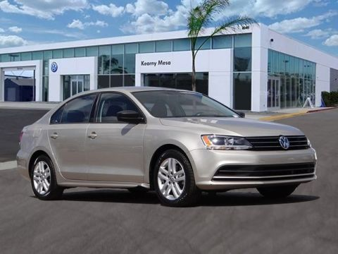 Pre-Owned 2015 Volkswagen Jetta 2.0L S w/Technology