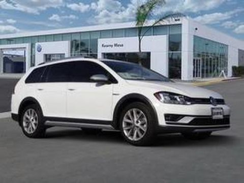 Certified Pre-Owned 2018 Volkswagen Golf Alltrack SE