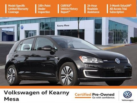 Certified Pre-Owned 2016 Volkswagen e-Golf SE w/Fast Charging Package